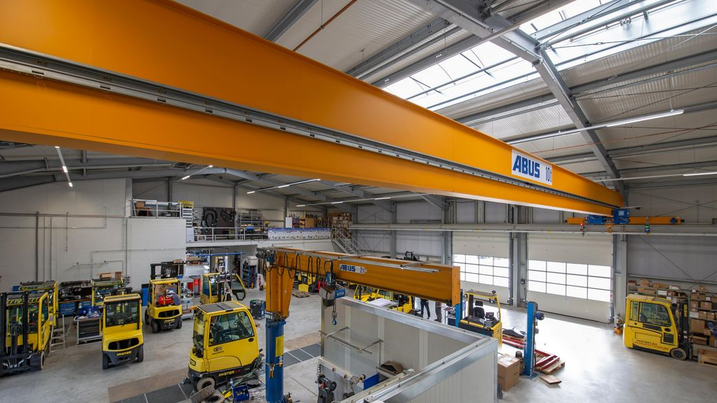 Hall with crane track | clever workshop-warehouse
